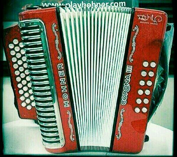 emiliano zuleta acordeon hohner