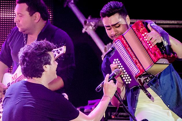 Los pases de Lucas Dangond, el acordeonero de Silvestre   Vallenato,  noticias, videos, letras - BLOGVALLENATO.COM