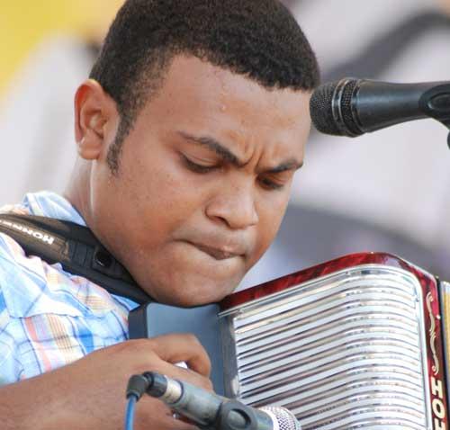 3 - Carlos Mendoza