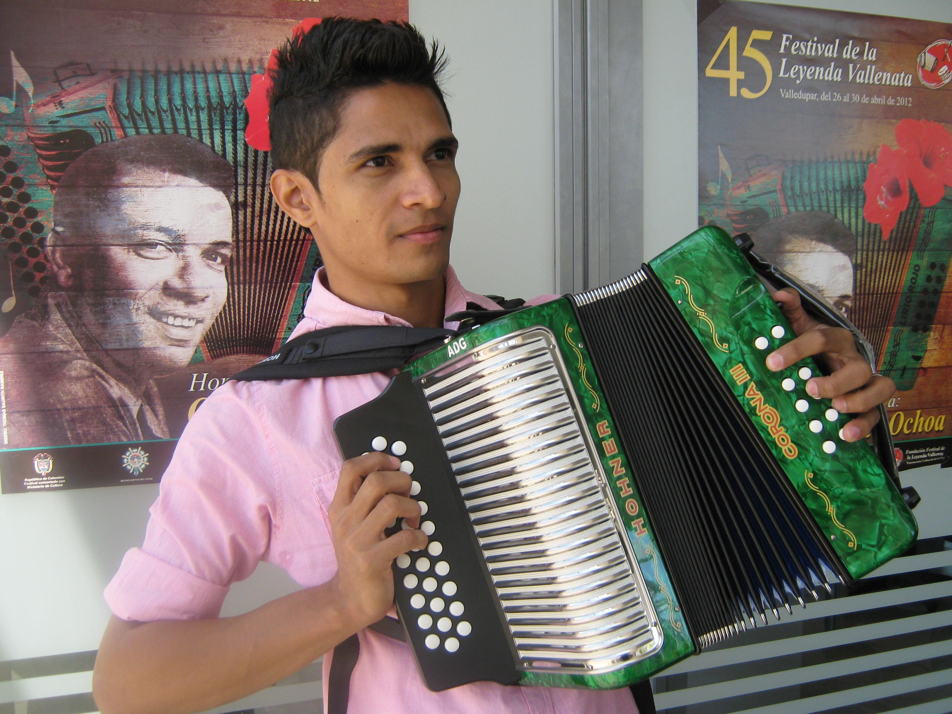 5 - Omar Hernández