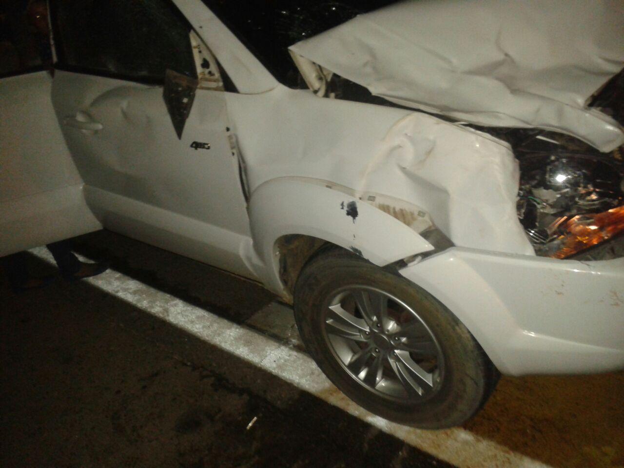 auto destrozado por vaca de villazon (1)