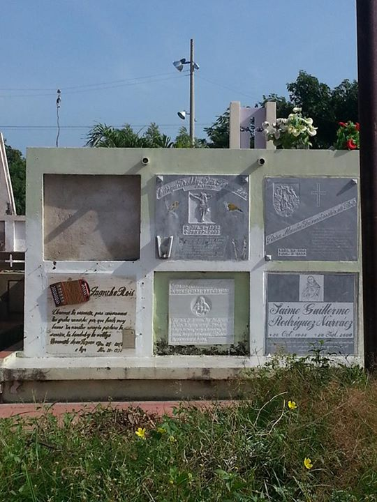 tumba de juancho rois 1