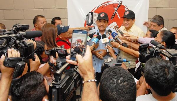 Rueda de Prensa Emiliano y Poncho Zuleta 2.-
