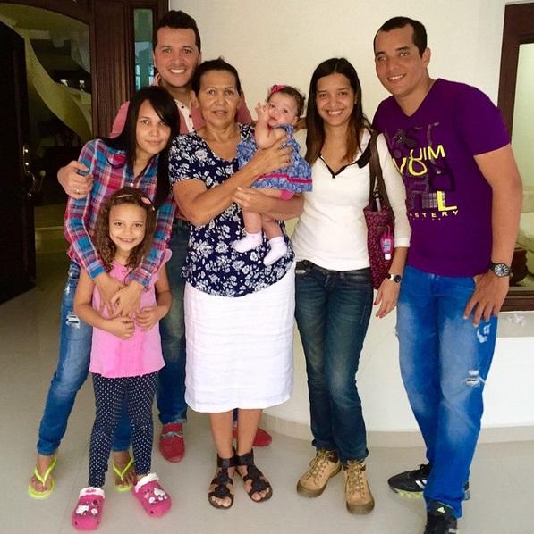 gloria díaz y su familia