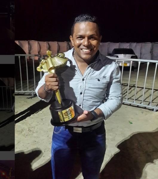 ganador festival francisco el hombre 2016 - mejor cantante
