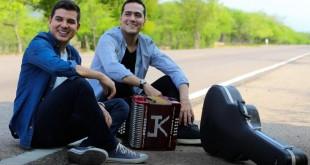 Sin Pasaporte - Juanse Rivero y Juank Ricardo