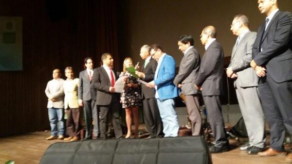 jaime dangond licenciado música honoris causa uis - 4